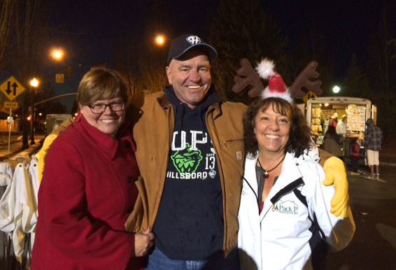 LeeAnn Pack, Dale Pack and Team Member at Hillsboro Holly Days event